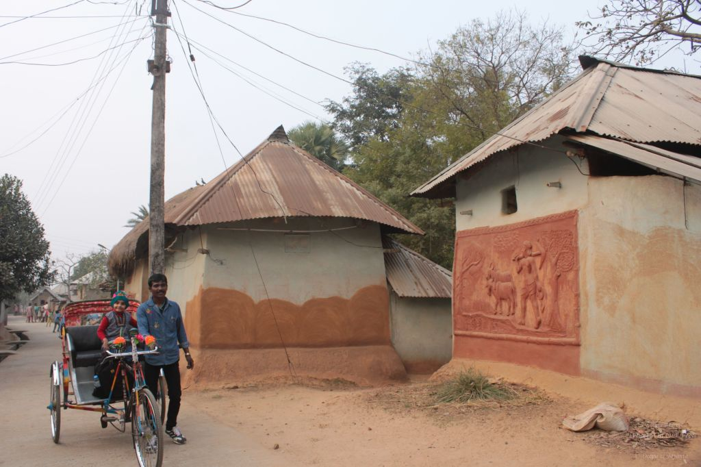 Touring Sonajhuri Gram in Shantiniketan