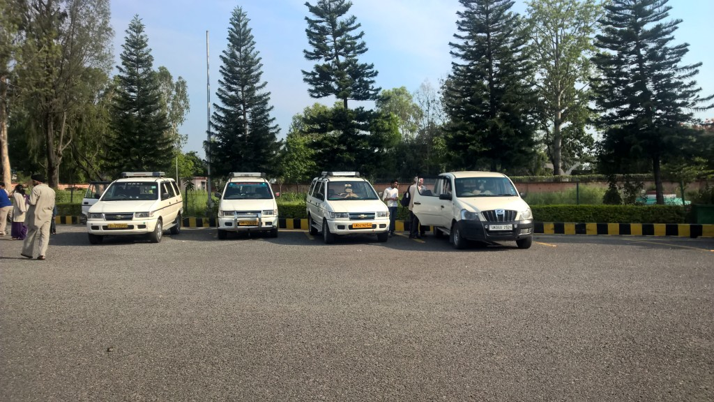Taxis at Pantnagar Airport